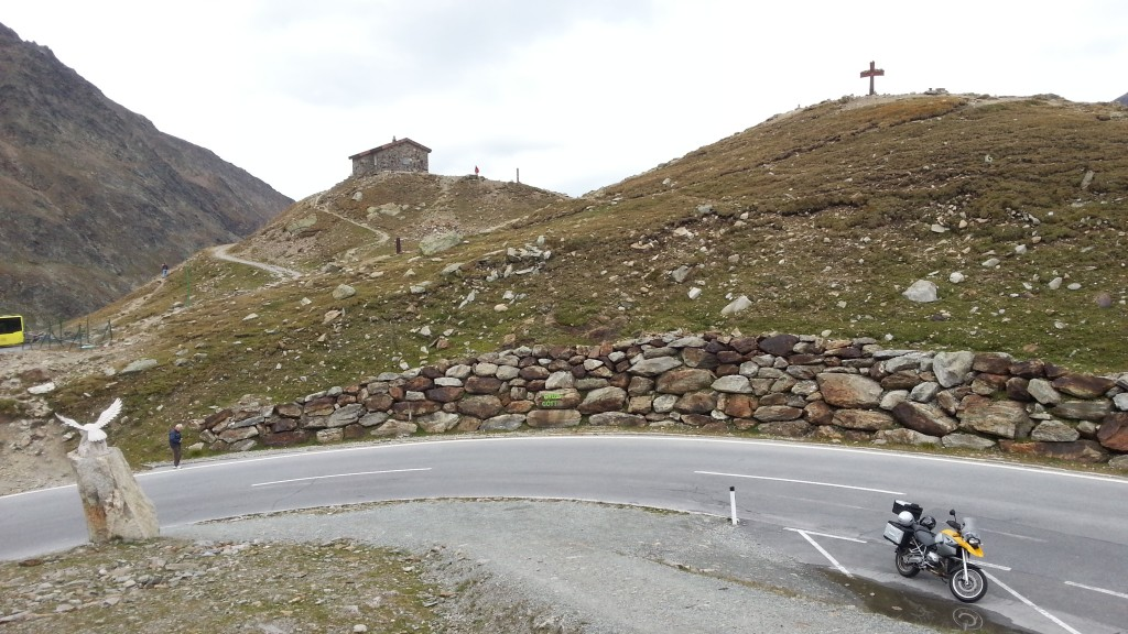 Австрия. Альпы. Южный Тироль. Высокогорная альпийская дорога Тиммельсйох.