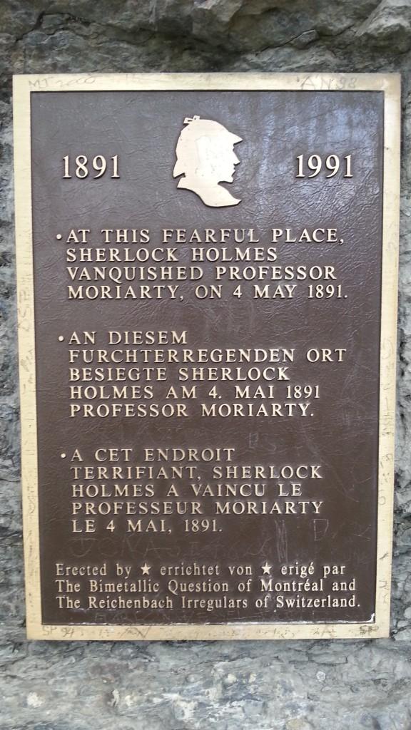 Рейхенбахский водопад. Мемориальная табличка о гибели Шерлока Холмса.