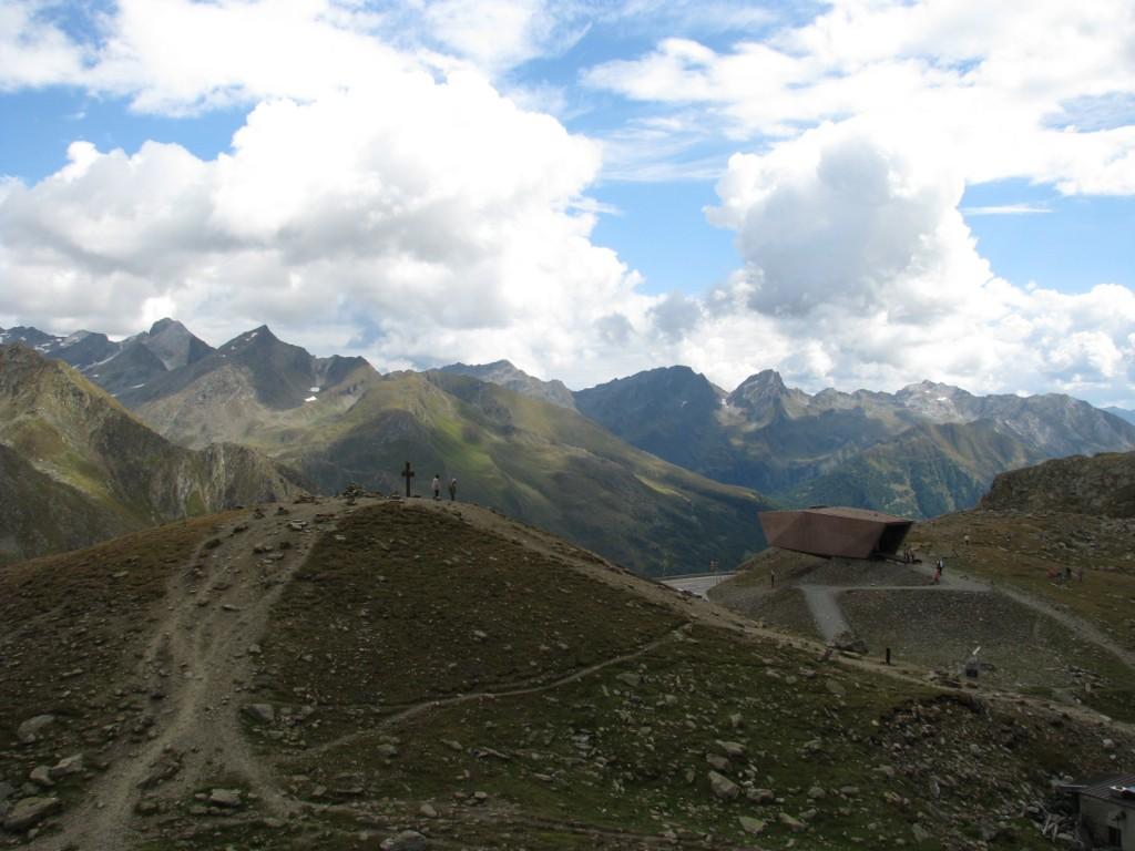 Италия. Альпы. Южный Тироль. Высокогорная альпийская дорога Тиммельсйох.