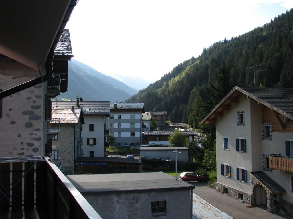 Residence Ables. Вид с балкона на Альпы.