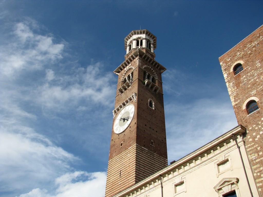 Верона. Башня Ламберти.