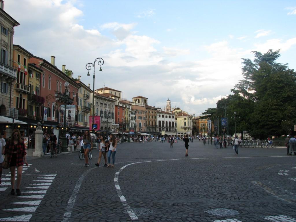 Верона. Главная площадь.