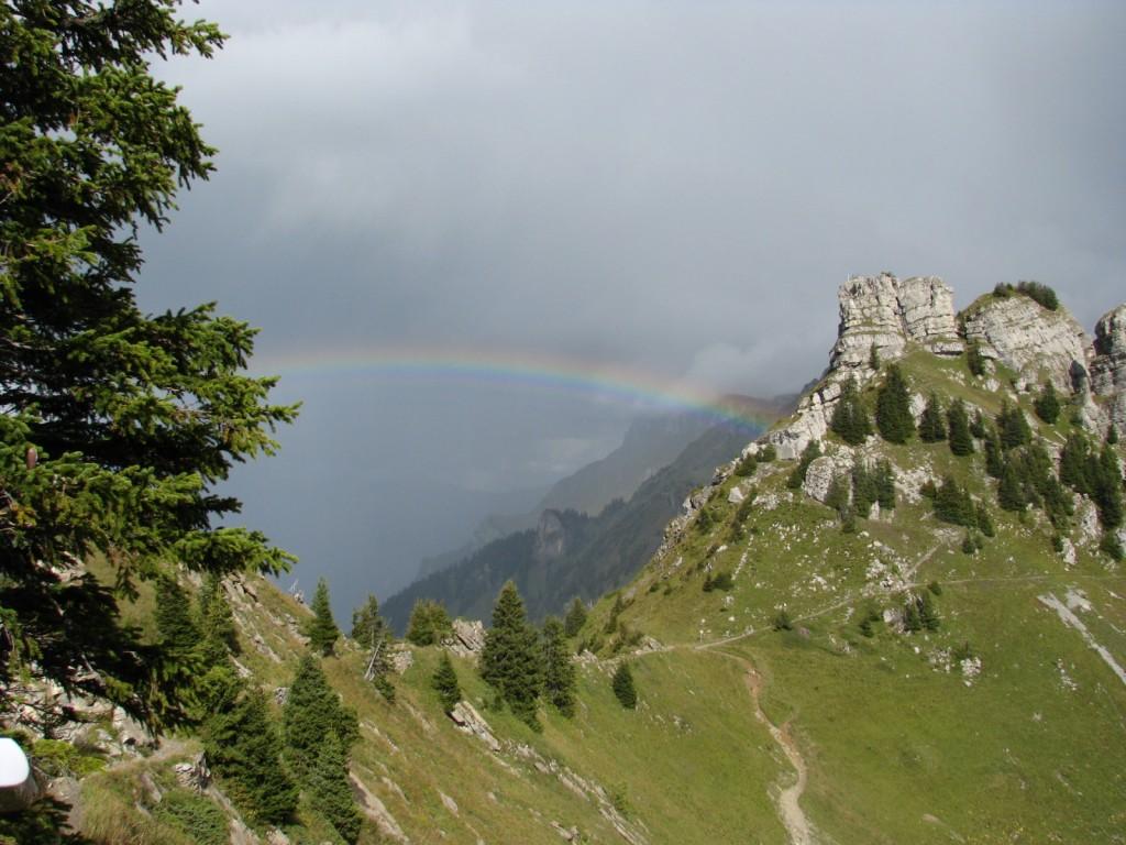 Радуга и гора Обербергхорн (Oberberghorn).