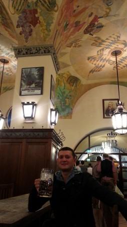 Мюнхен. Расписные потолки в ресторане Хофбройхаус.