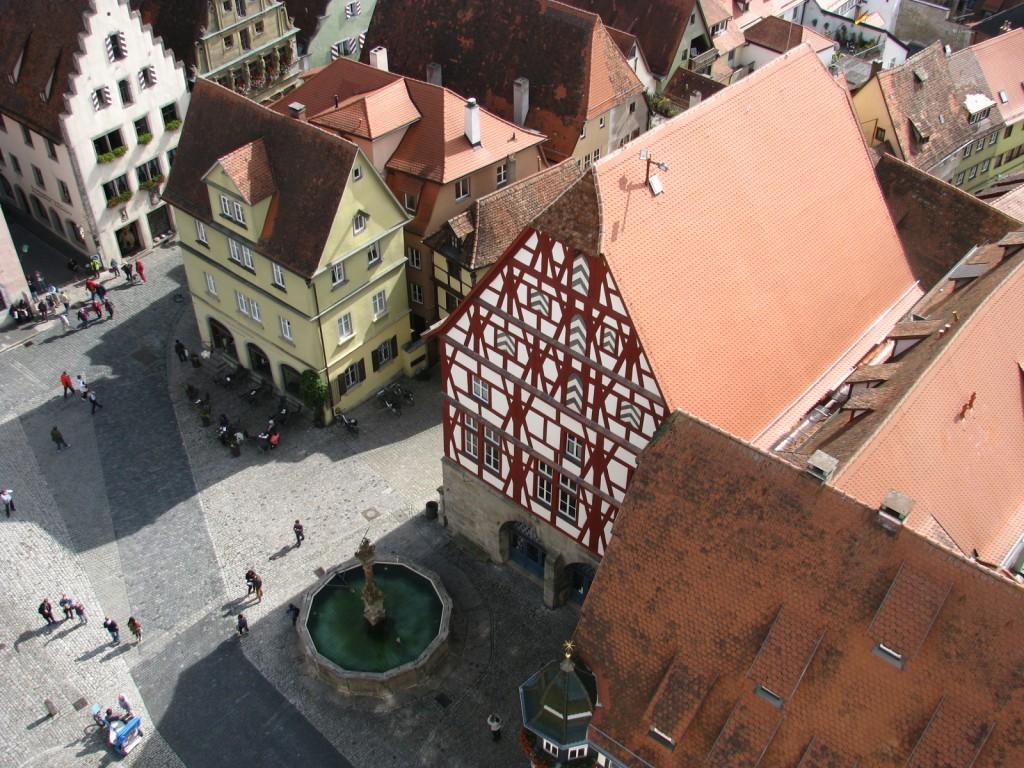 Ротенбург-об-дер-Таубер. Фонтан на Рыночной площади.