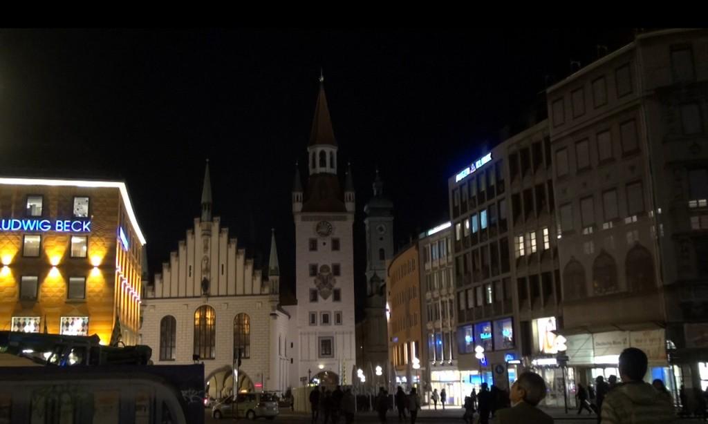 Мюнхен. Мариенплац. Старая Ратуша.