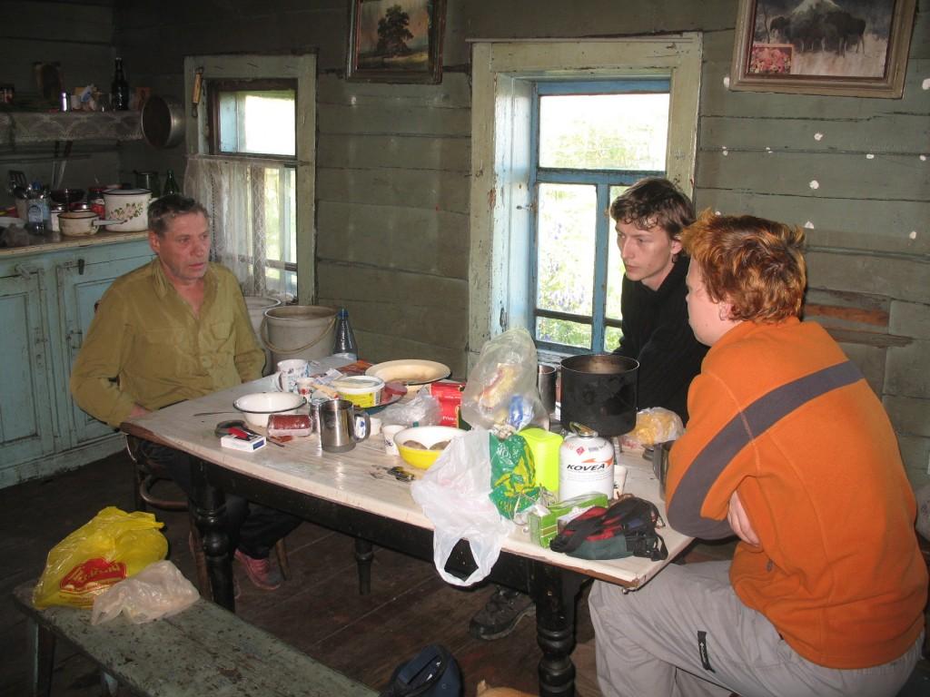 Унежма. Завтрак в доме Александра Петровича.