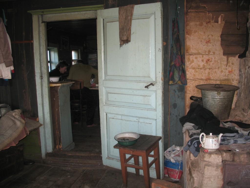 Унежма. Интерьер старого деревенского дома.