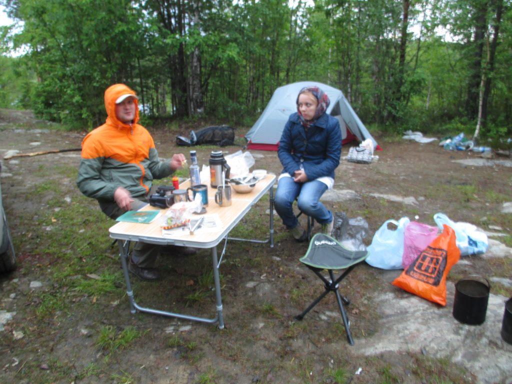 Ужин у реки Верхняя Куземка