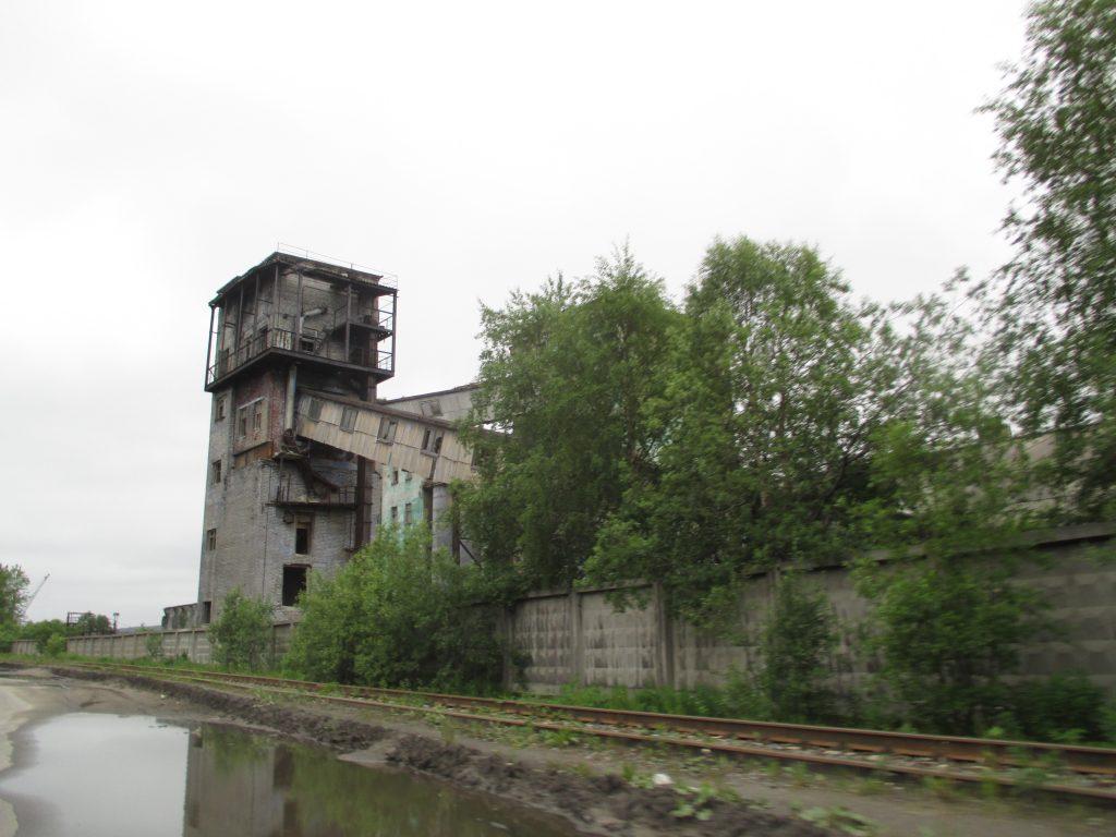 Мурманск. Заброшенные индустриальные окраины.