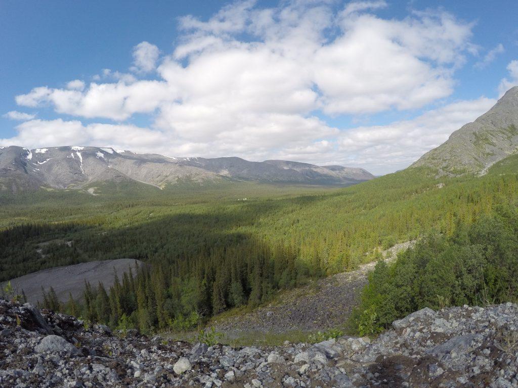 Хибины. Вид со смотровой у горы Куэльпорр.