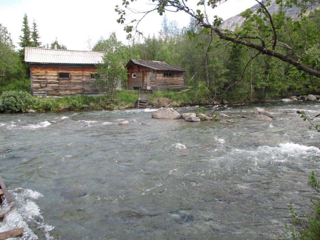 Река Кунийок у базы КСС в Хибинах.