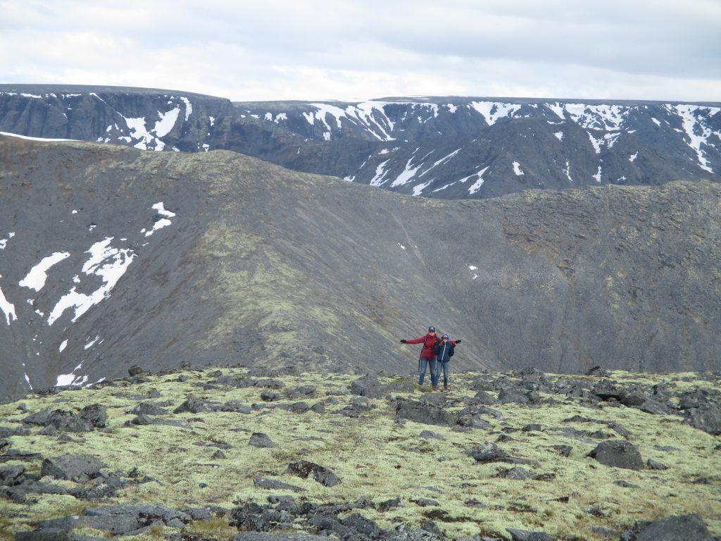 Спуск с Куэльпорра через перевал между пиком Марченко и горой Куэльпорр.
