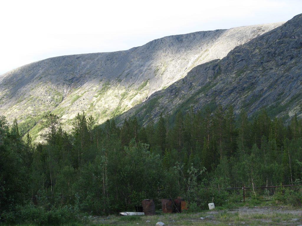 Стены хибинских гор