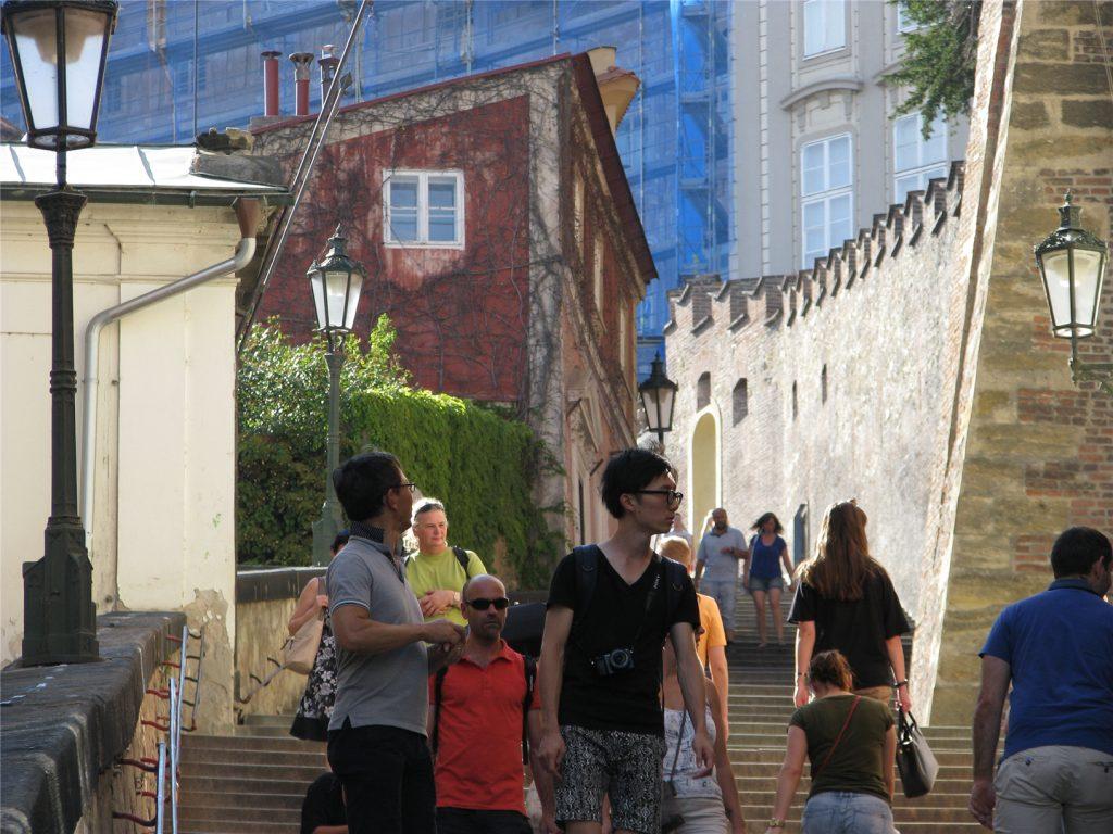 Прага. Градчаны. Замковая лестница к Пражскому Граду.