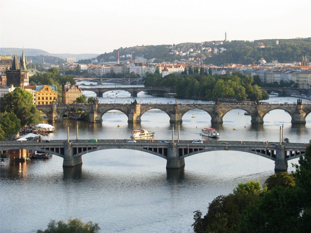 Три моста над Влтавой. Вид с Летенских садов. Прага.