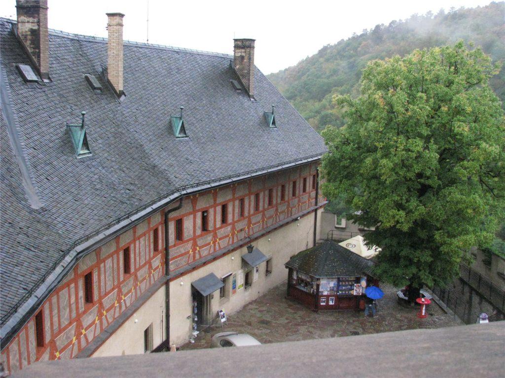Внутренний двор замка Карлштейн.