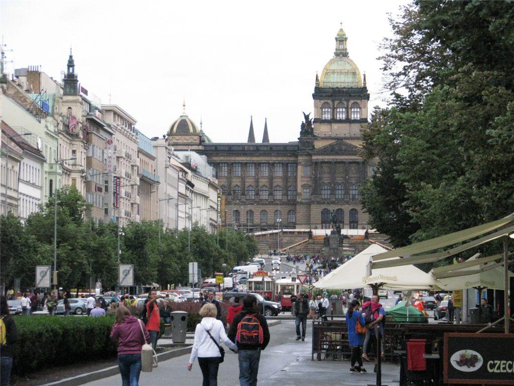 Прага. Вацлавская площадь.