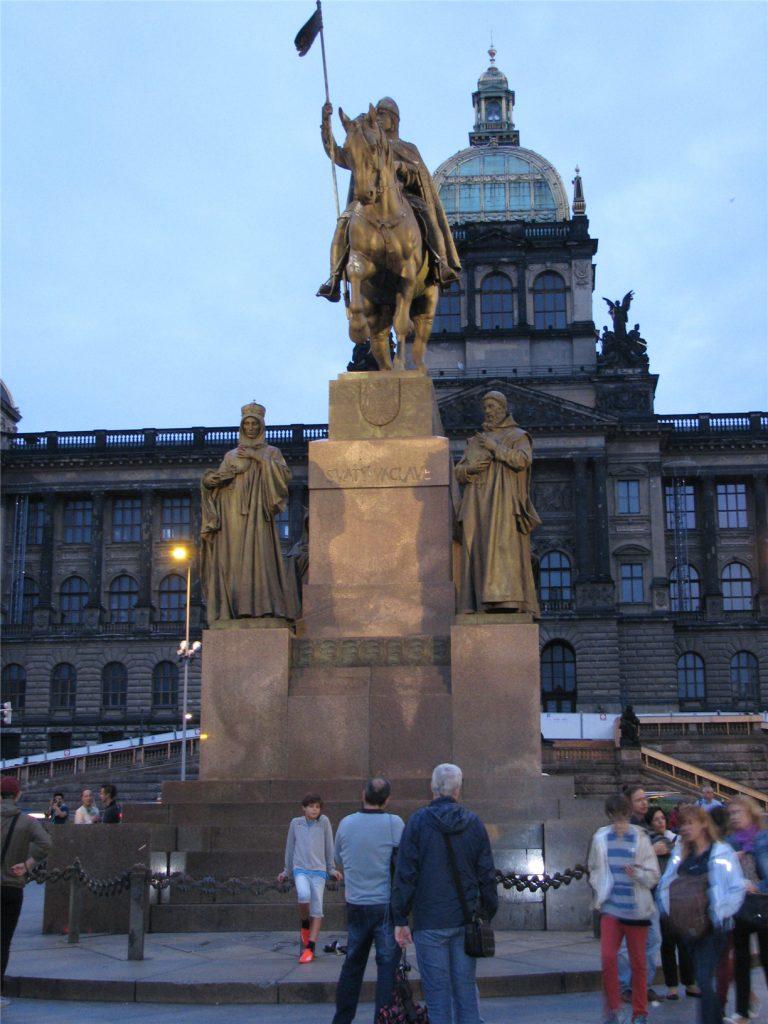 Прага. Памятник святому Вацлаву.