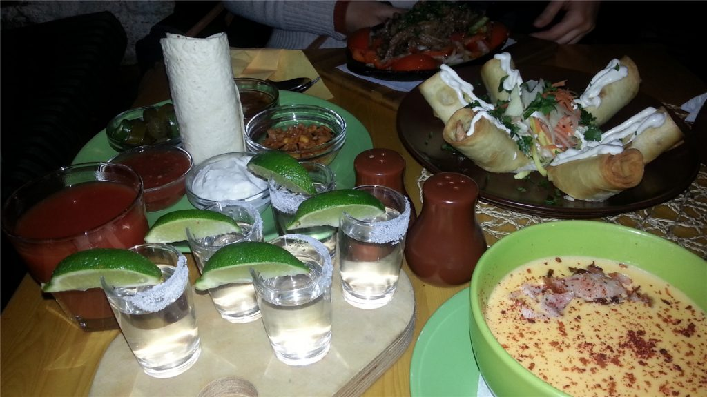 Текила и мексиканская кухня в ресторане Кончита Бонита.