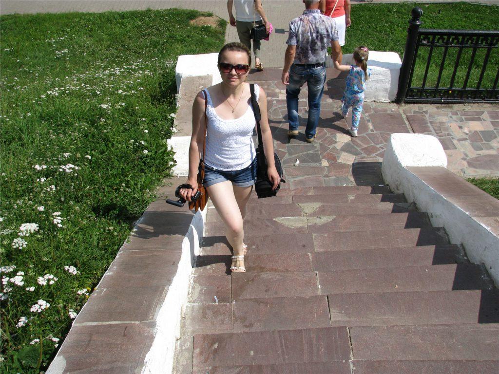 У беседки Островского в Костроме