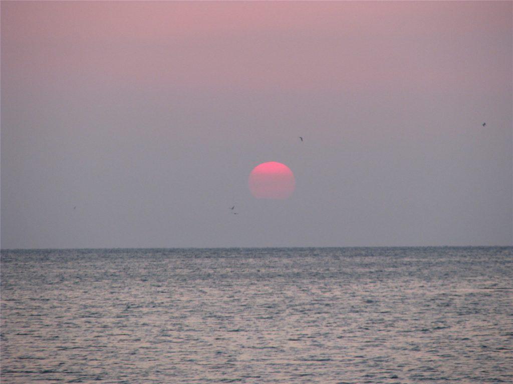 Восход на Средиземном море