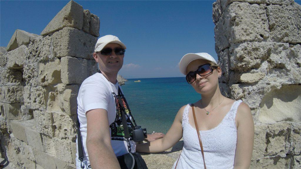 Очередные развалины в городе Родос и вид на море