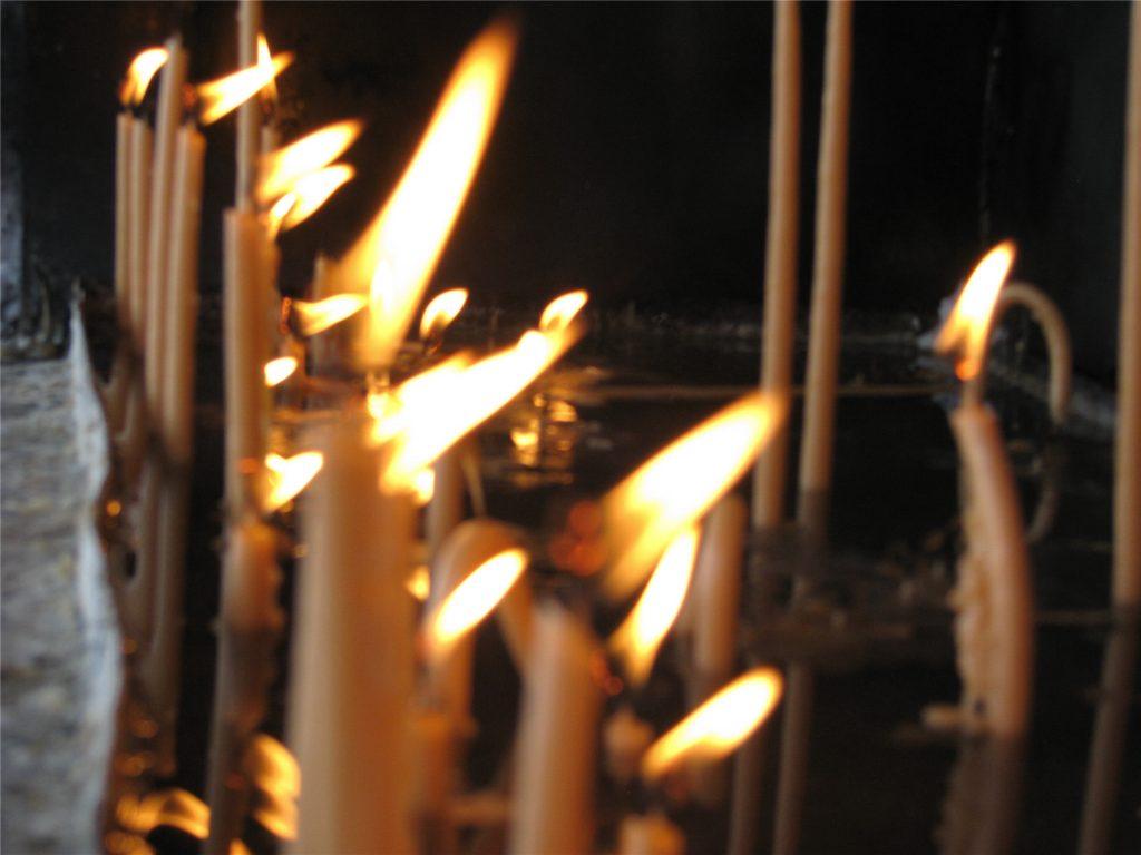 Свечи в монастыре Цамбика