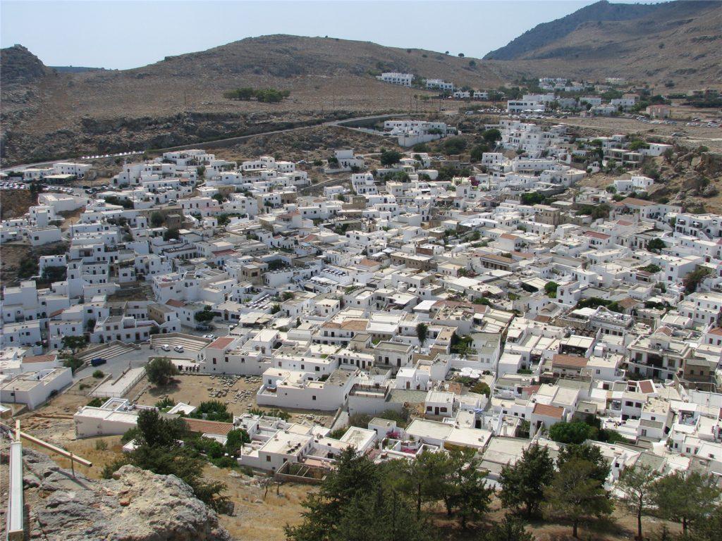 Вид на Линдос из Акрополя. Остров Родос.