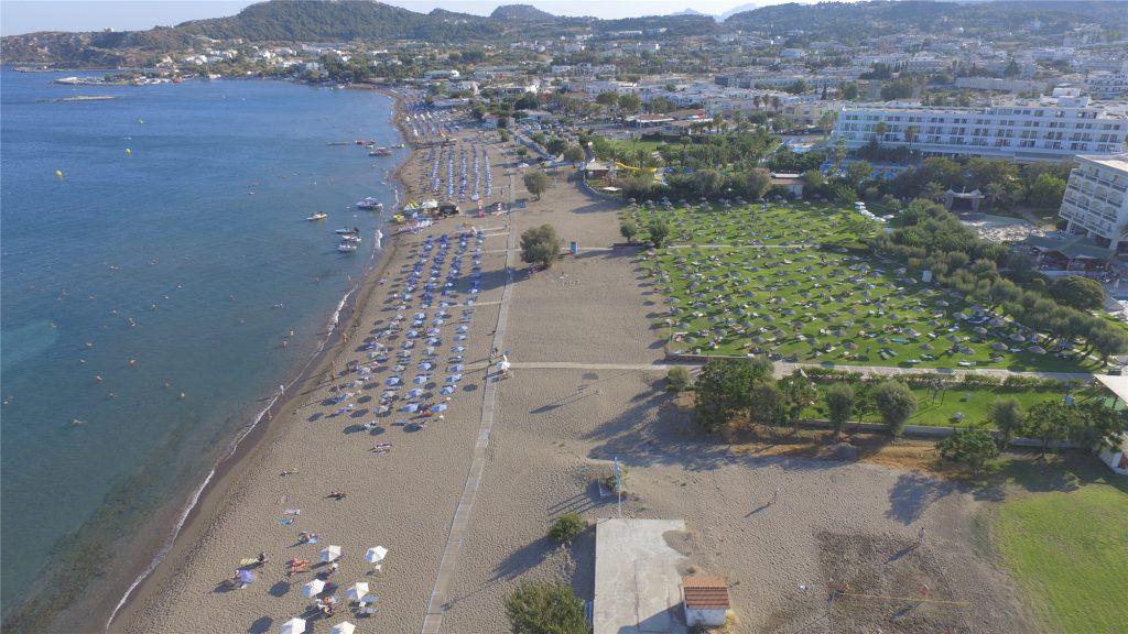 Городской пляж Фалираки с квадрокоптера