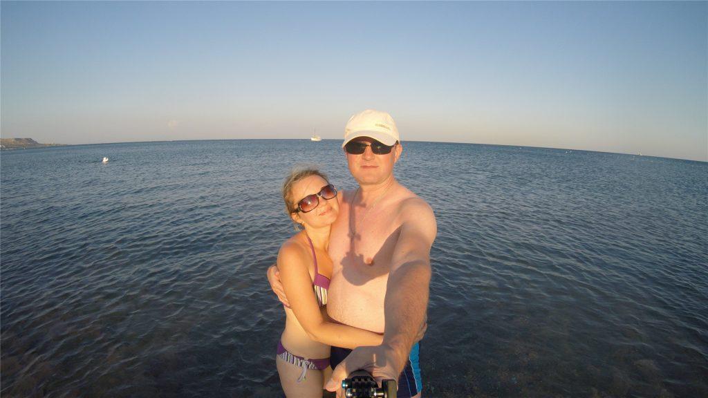 Андрей и Аня. Селфи в Средиземном море.