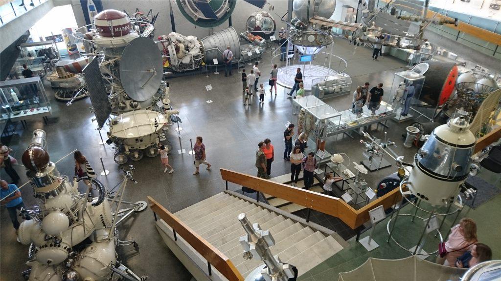 Зал космических аппаратов. Музей истории космонавтики. Калуга.