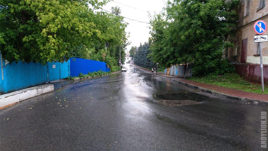 Городские лужи после ливня в Калуге