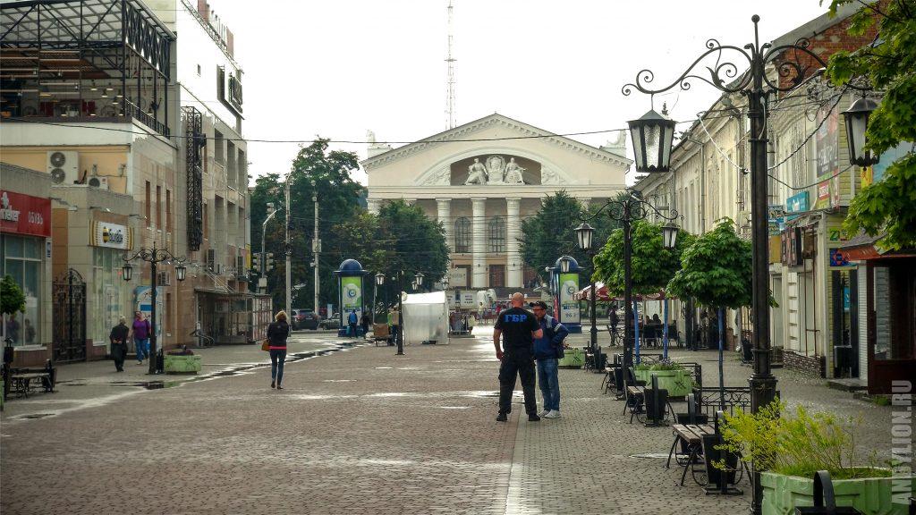 Пешеходная улица Театральная. Калуга.