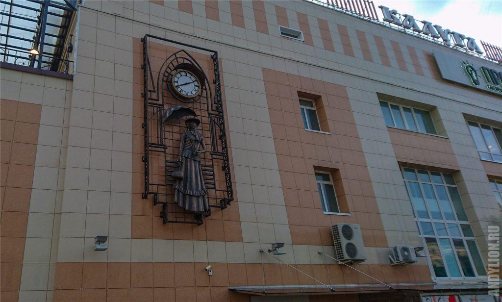 Настенные украшения зданий в Калуге