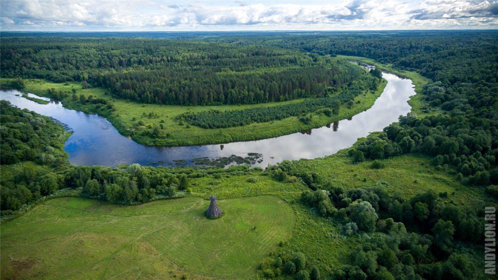 Никола-Ленивец с воздуха. Река Угра.