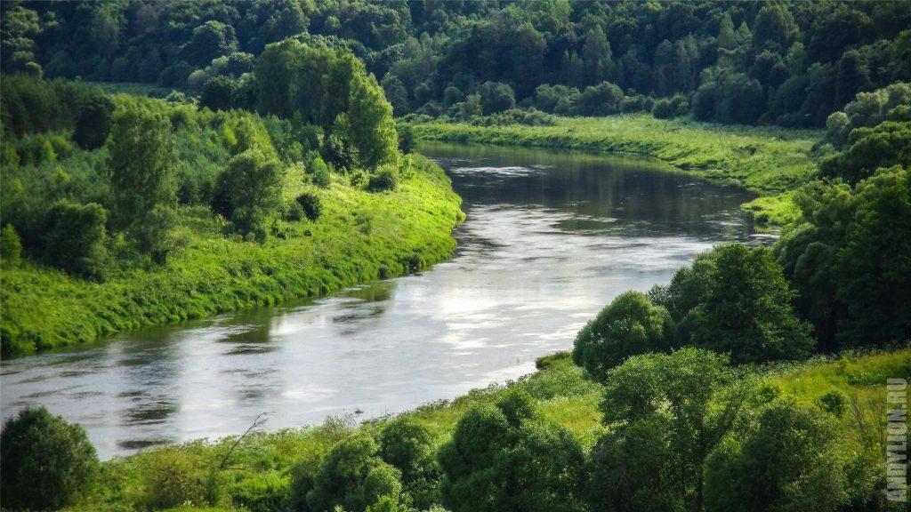 Река Угра в деревне Никола-Ленивец