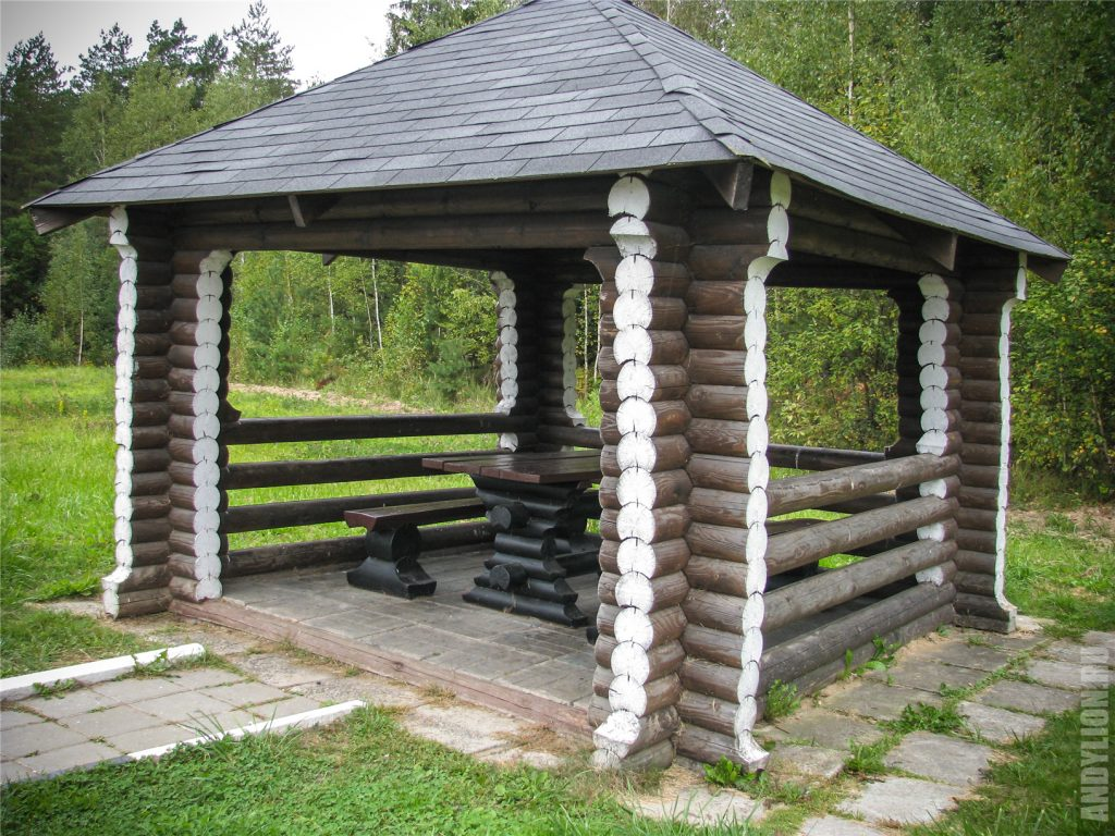 Типичное место отдыха на трассе М1 в Белоруссии