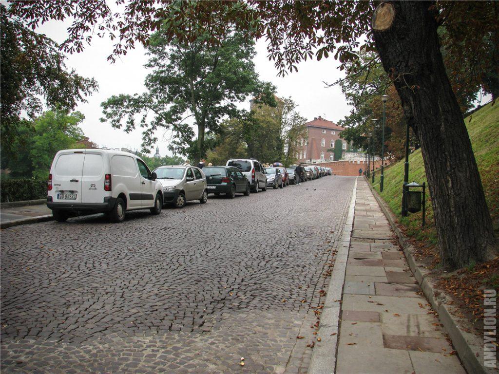 На подходе к Вавельскому замку в Кракове