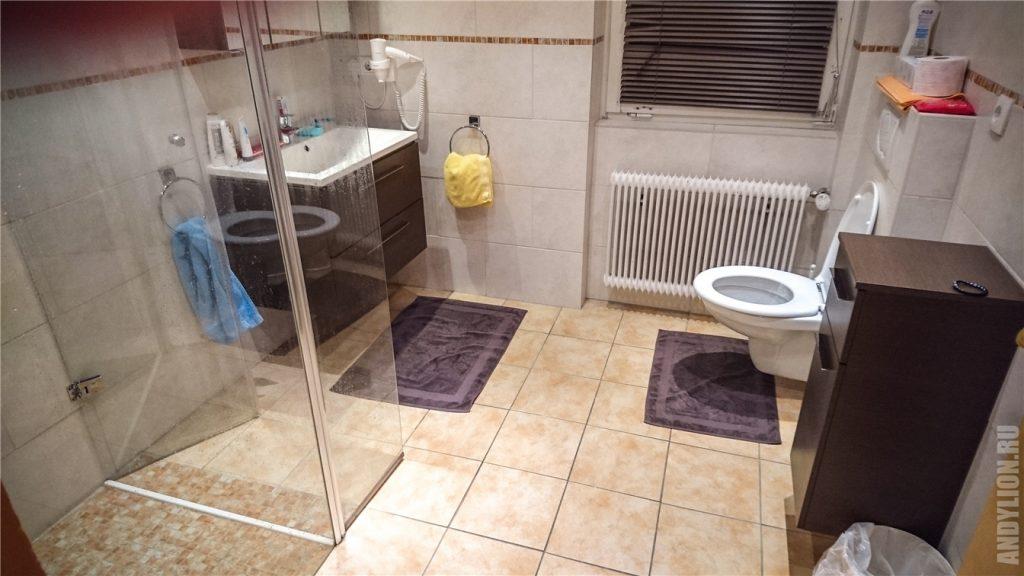 Waldhaus Igls. Ванная и туалет.