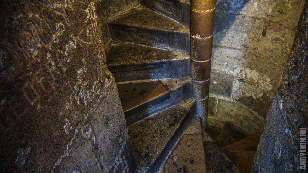 Лестница в Южной башне собора святого Стефана. Вена.