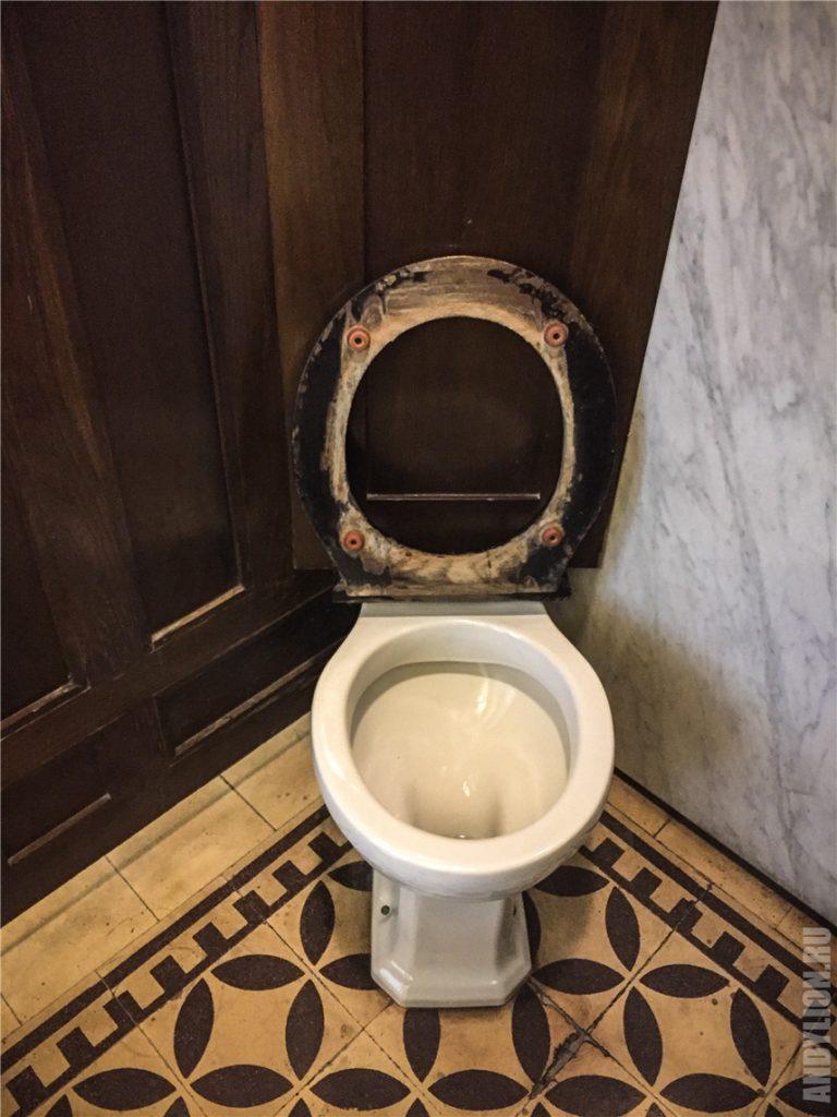 Необычный общественный туалет в Вене 1905 год