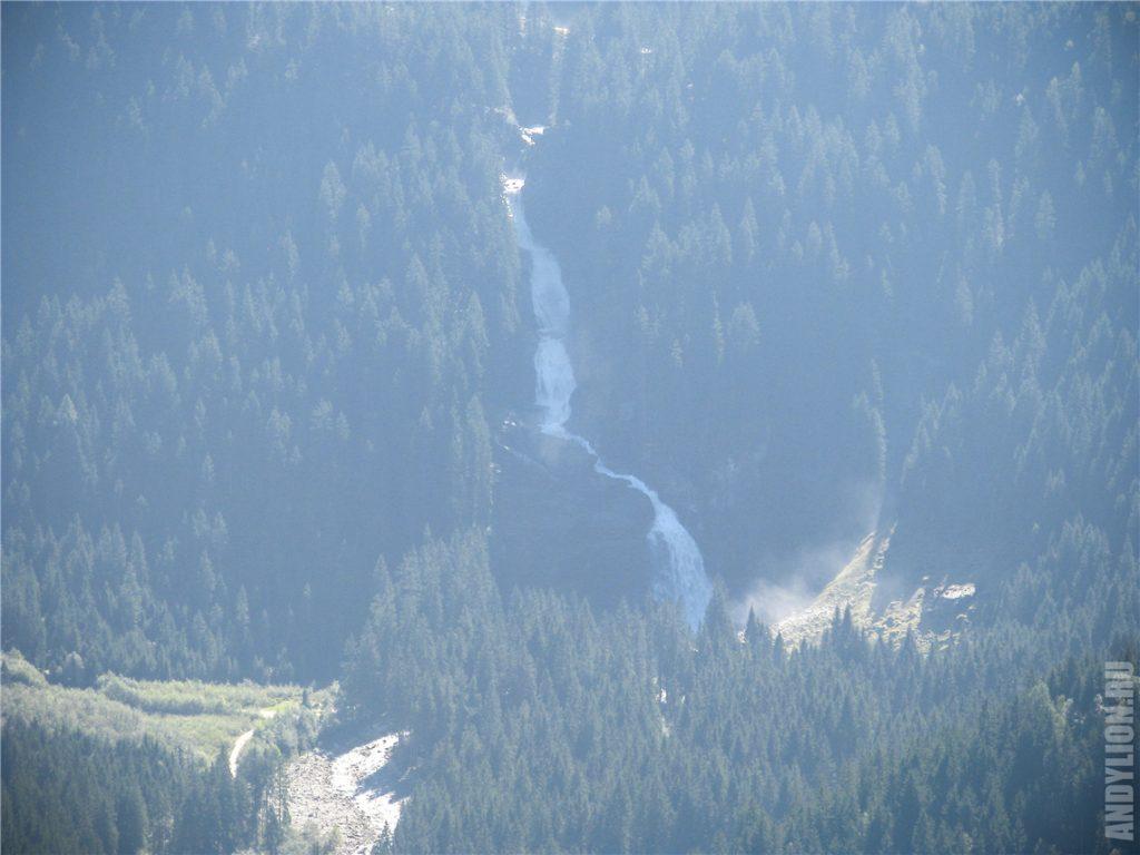 Криммльские водопады. Обзорный вид со смотровой.