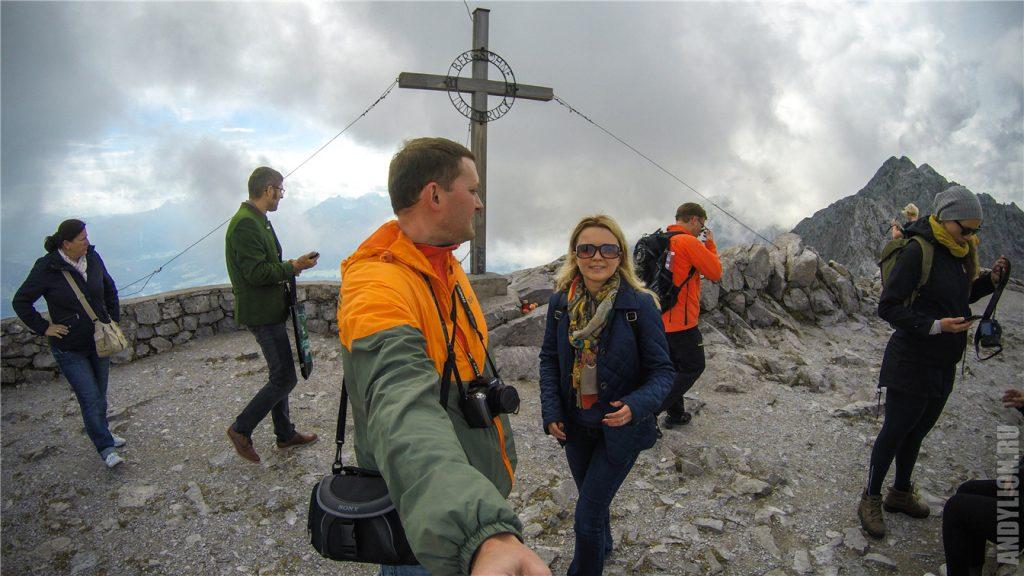 Крест на вершине Hafelekarspitze