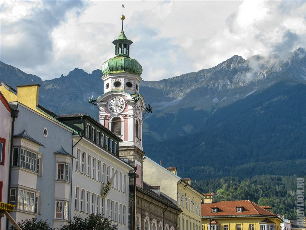 Башня госпитальной церкви святого духа в Инсбруке