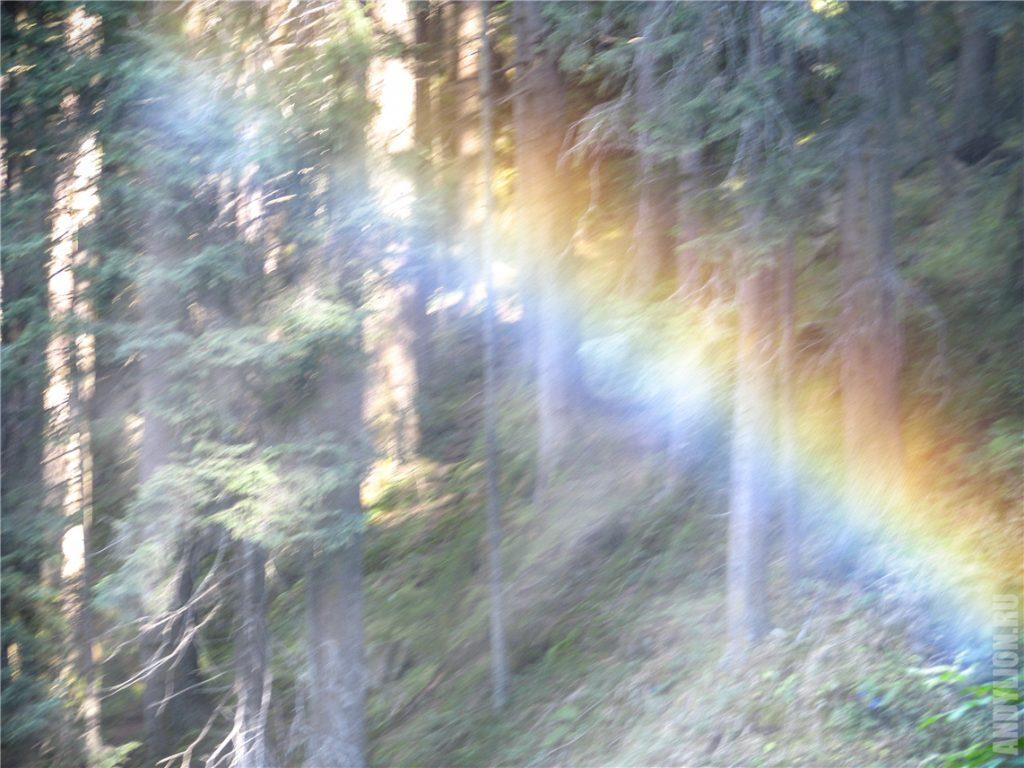 Попытка снять радугу от брызг водопада