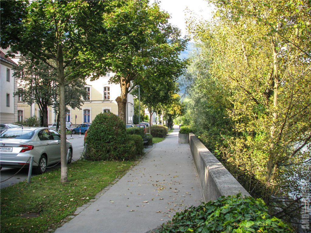 Прогулка по набережной Инсбрука Инналлее