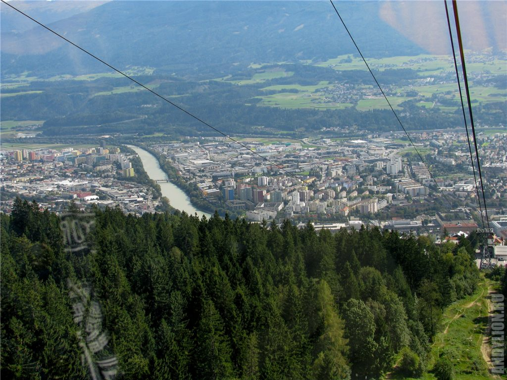 Поднимаемся над Инсбруком