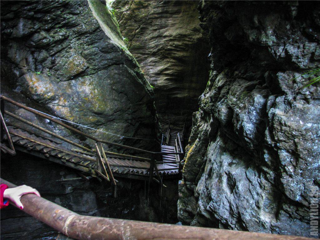 Страшное и опасное ущелье Раггашлухт