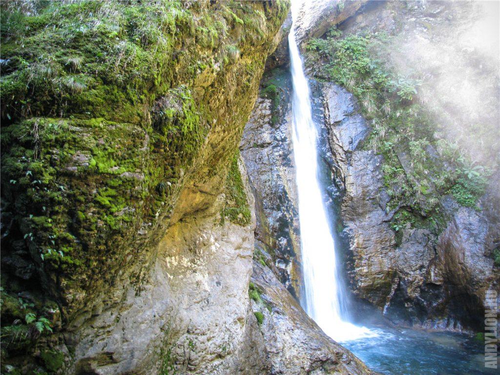 Водопад в ущелье Раггашлухт